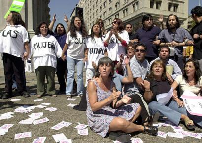 Women Demand Equal Salaries in Santiago, Chile (AP/Santiago Llanquin)