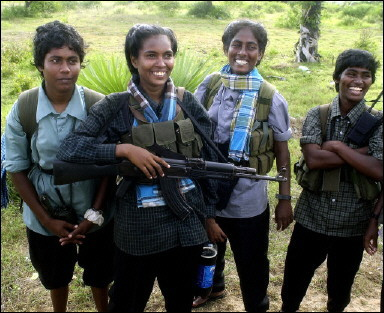 Female Sri Lankan Liberation Tigers (AFP/Sena Vidanagama)