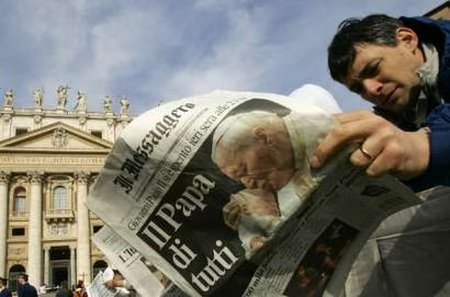 Pope John Paul II Dies (Reuters/Tony Gentile)